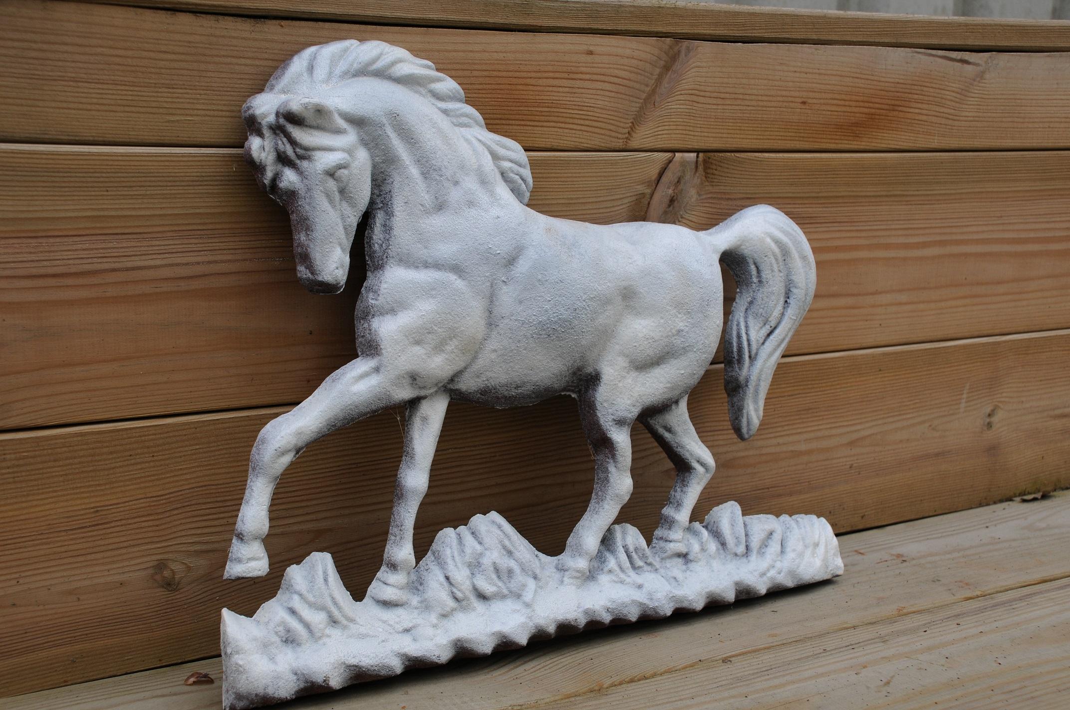 Tags decoratie antiek ijzer tuinmuur deuropening paard