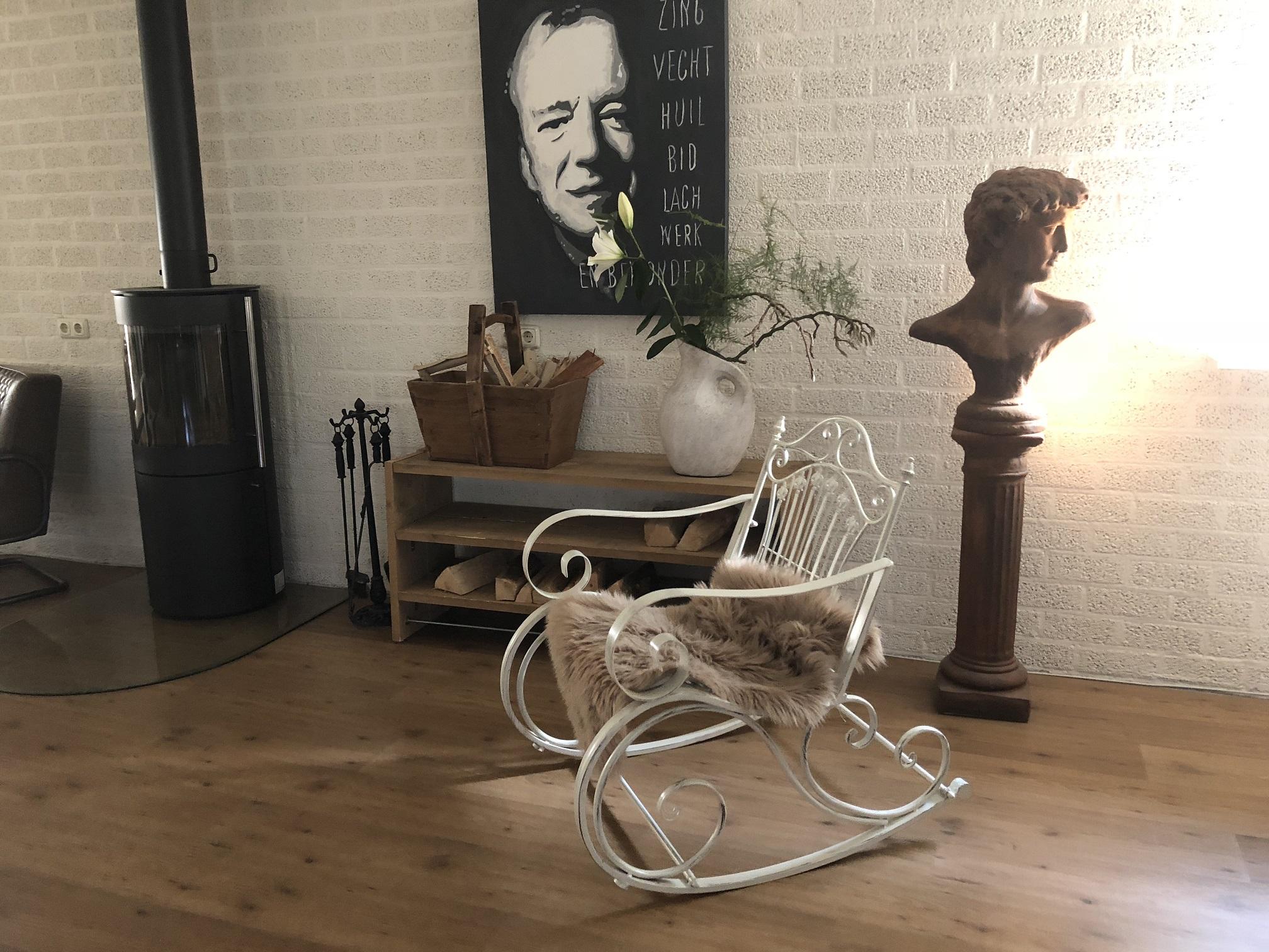 Schommelstoel Op Balkon : Prachtige pitoreske schommelstoel smeedijzer kleur oldwhite rust