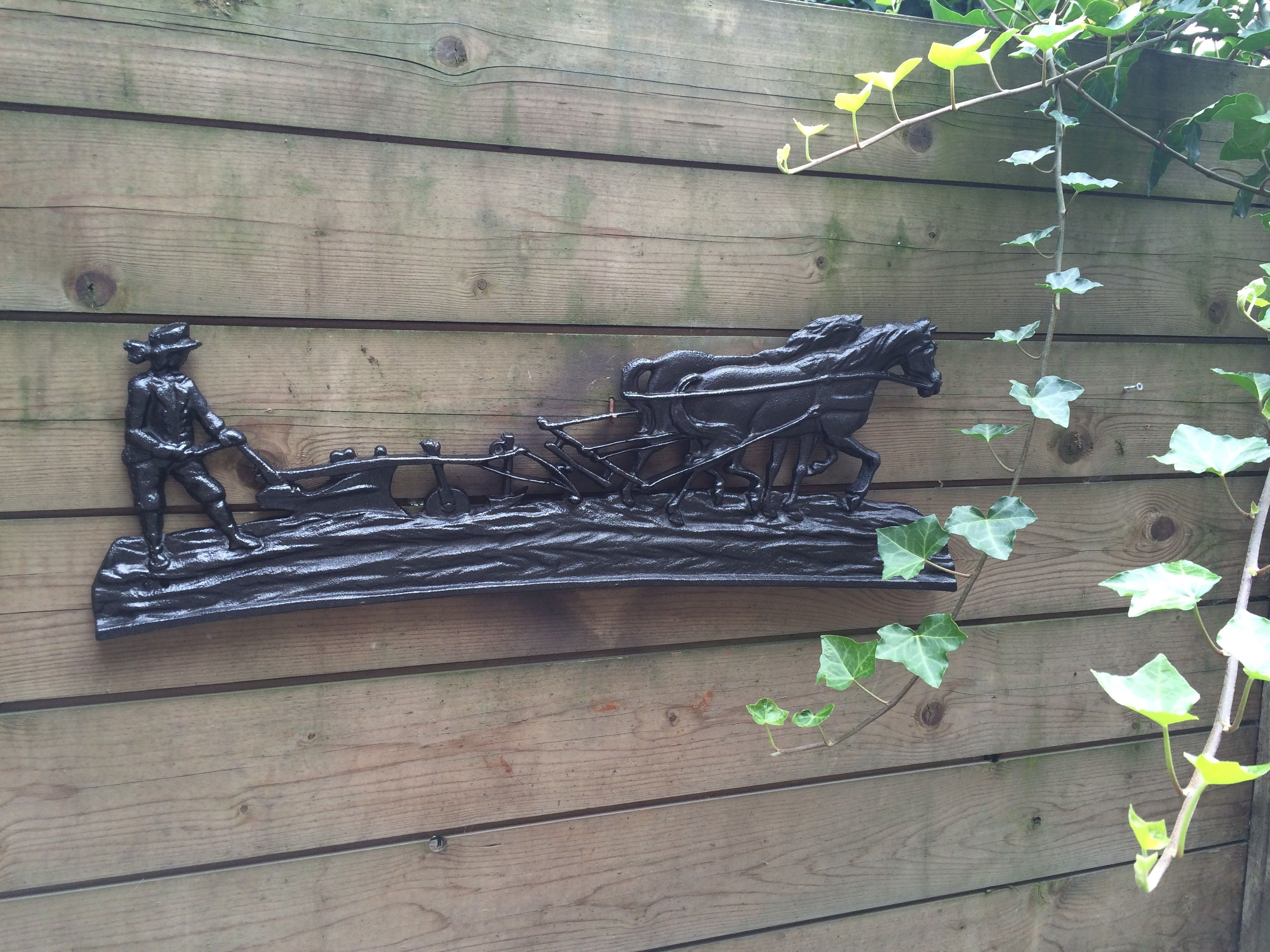 Decoratie Keuken Wanddecoratie : Wanddecoratie , gietijzeren zwarte haardplaat boer met paard en ploeg