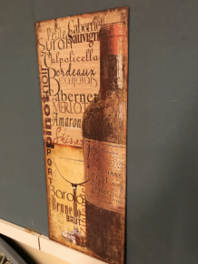 Wanddecoratie Bord Hout.Metalen Bord Met Prachtig Geschilderde Wijnfles Met Glas En Tekst